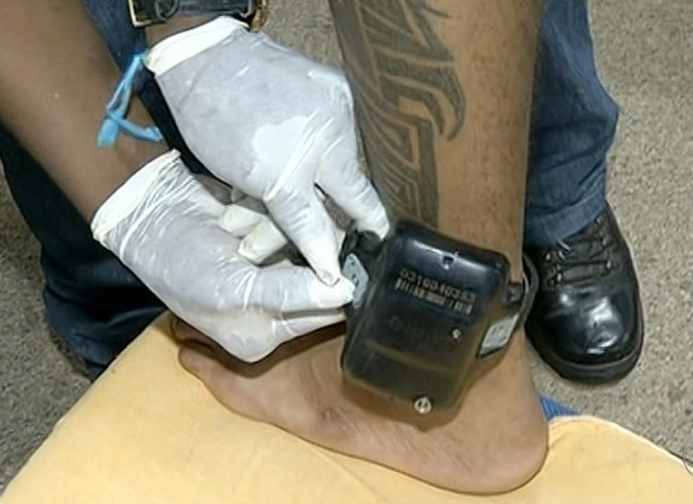 Monitoramento eletrônico volta a ser suspenso — Foto: Reprodução/TV Anhanguera