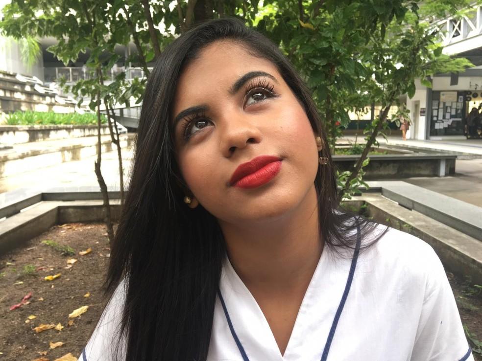 Jhenyfer sonhava em ser aprovada em medicina na USP. — Foto: Arquivo pessoal