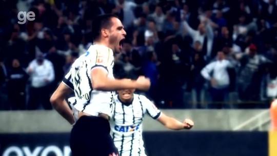 Confira os ídolos do futebol que passaram por Corinthians e Flamengo