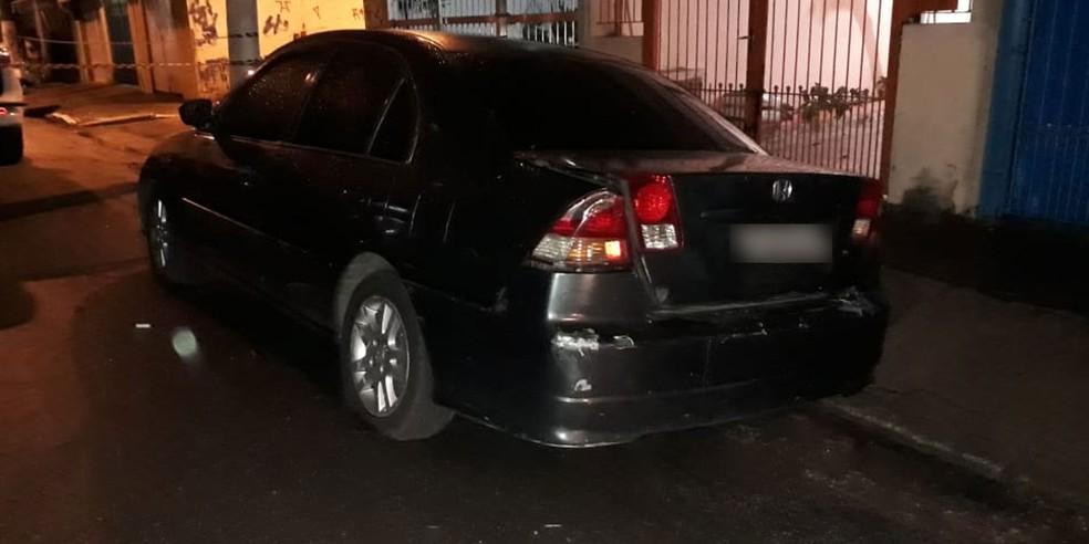 Corpo foi encontrado dentro de um carro na Zona Sul de SP (Foto: Bruno Tavares/TV Globo)