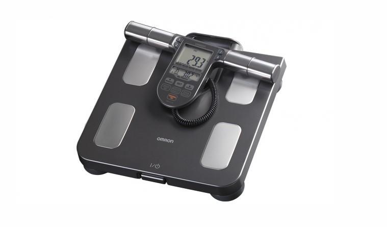 Balança de Controle Corporal | Oferece 7 parâmetros corporais: peso, gordura corporal, Índice de Massa Corporal (IMC), músculo esquelético, gordura visceral, metabolismo basal e idade corporal | Da Omron, R$500 (Foto: Divulgação)