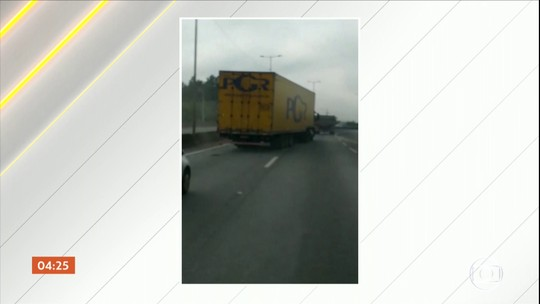 Perseguição a um caminhão provoca confusão na BR-101 em SC; suspeitos fugiram