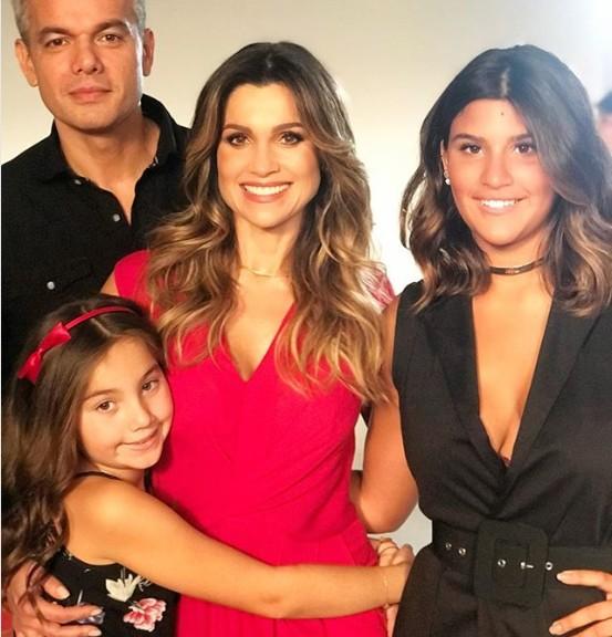 Flavia Alessandra e família (Foto: Reprodução/Instagram)