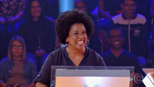 Vencedora de prêmio de R$ 100 mil comenta choro da namorada: 'Primeira pessoa que eu contei'