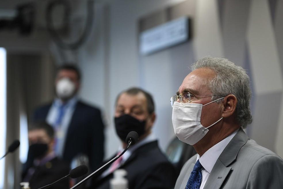 Senador Renan Calheiros (MDB-AL) em pronunciamento na CPI da Pandemia — Foto:  Edilson Rodrigues/Agência Senado