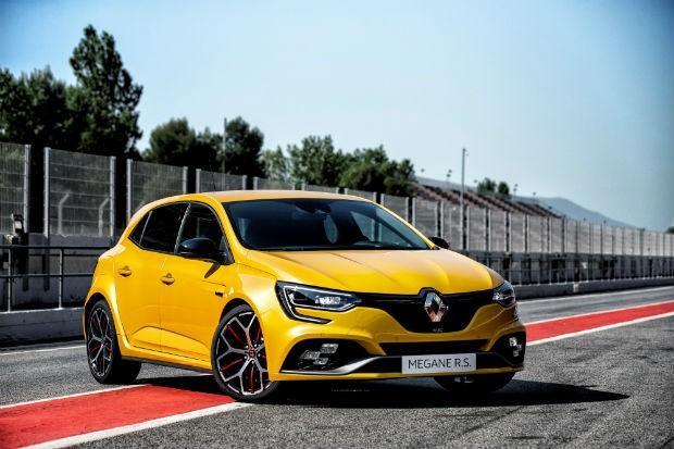 Renault Megane RS Trophy com 300 cv surge na Europa (Foto: Divulgação)