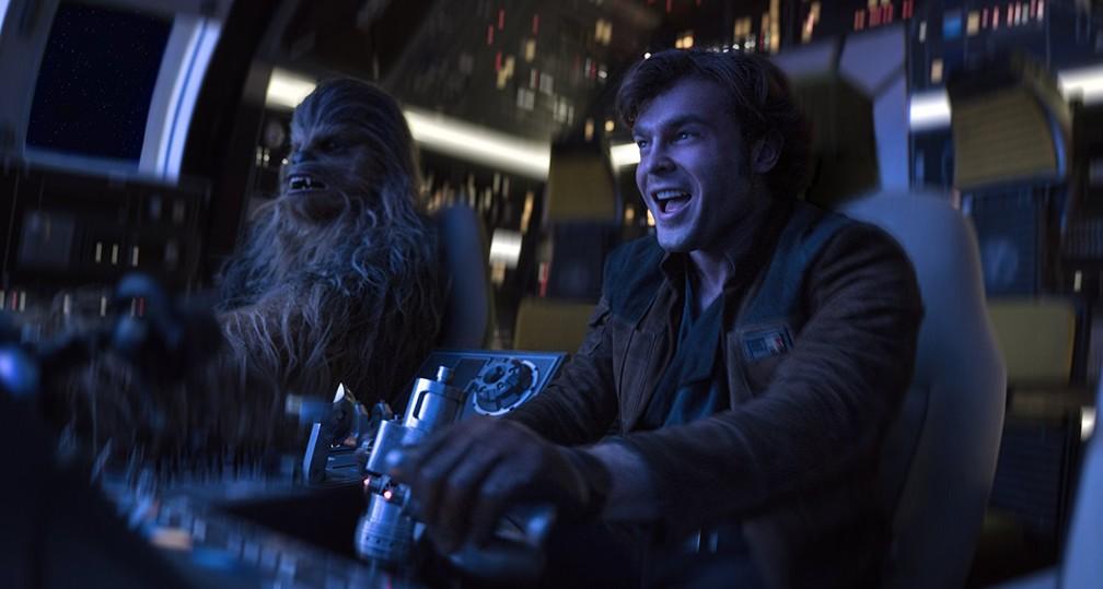 -  Joonas Suotamo, o novo Chewbacca, e Alden Ehrenreitch em cena de   39;Han Solo: Uma história Star Wars  39;  Foto: Divulgação