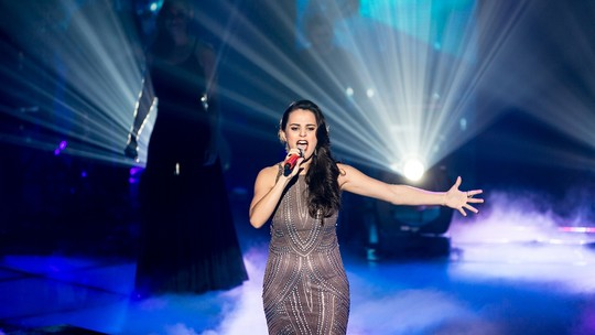 Ex-The Voice Allice Tirolla dá dicas para bandas do 'SuperStar'