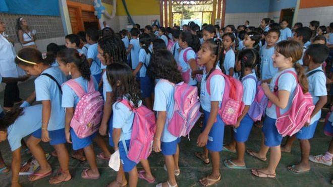 Alunos da Casa Meio Norte em foto de arquivo; a despeito de condições adversas, escola pública conseguiu que 100% de seus alunos do 5º ano tivessem aprendizado adequado de matemática e português (Foto: JOÃO BITTAR/CENTRAL DE MÍDIA DO MEC)
