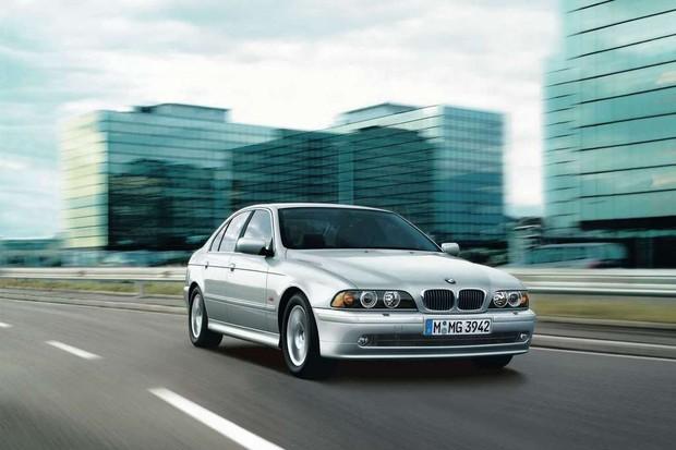 BMW Série 5 2001 (Foto: Reprodução/BMW)
