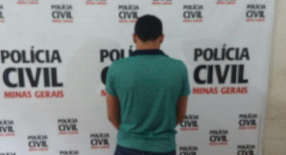 Homem pilotava a moto no dia do crime (Foto: Polícia Civil/Divulgação)