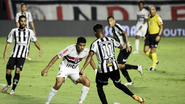 Keno durante São Paulo x Atlético-MG
