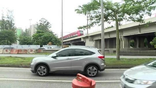 Marginal Tietê é liberada após queda de passarela