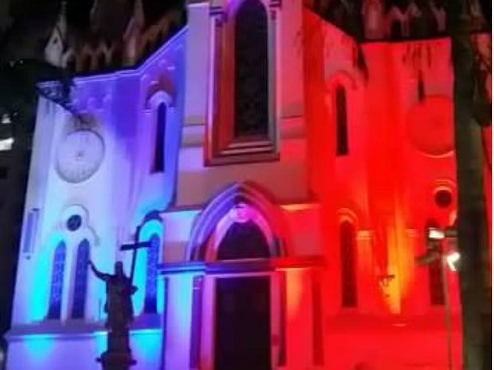 -  Catedral Metropolitana em Uberaba realiza missa nesta terça  12   Foto: Foto: Grupo de Hemodiálise e Transplante Renal de Uberaba/Divulgação