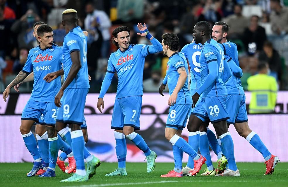 Jogadores do Napoli comemoram um dos gols na goleada sobre a Udinese — Foto: Alessandro Sabattini/Getty Images