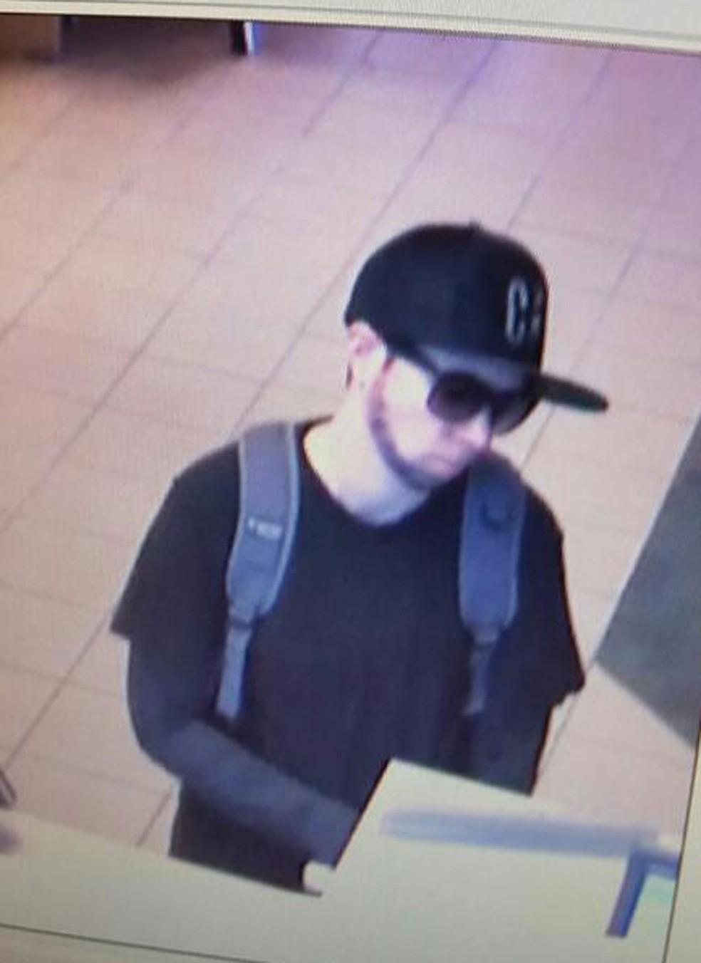 Mulher é presa suspeita de assaltar banco com barba pintada nos EUA (Foto: Danville Police Department/Facebook)