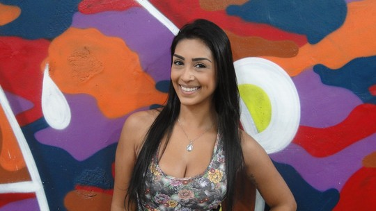 Ex-BBB Amanda Djehdian mostra preparo para Carnaval: 'Pegando pesado na celulite'