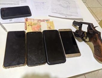 Dupla suspeita de roubar celulares é presa após trocar tiros com a PM em Redenção, no PA