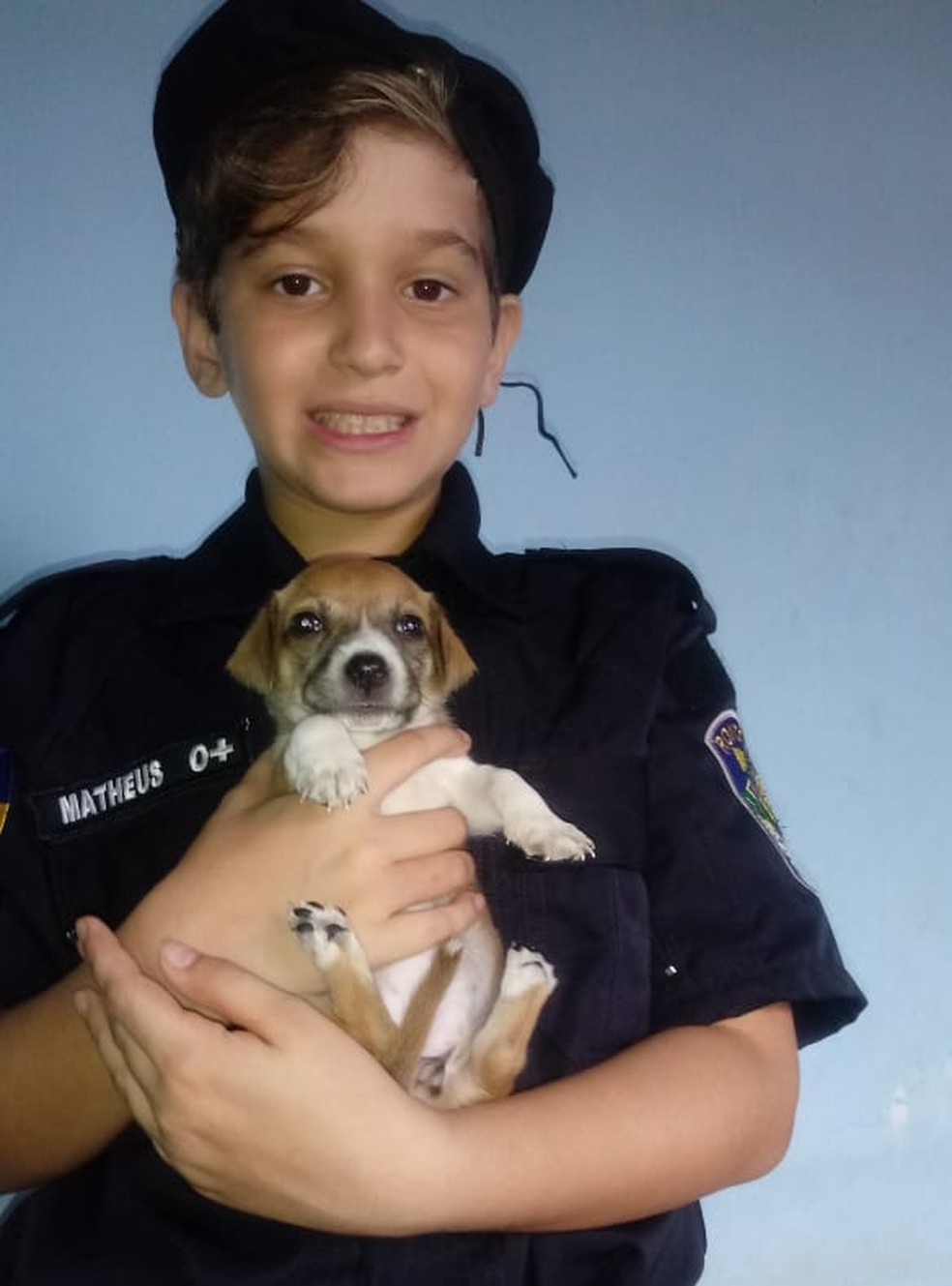 Matheus ainda ganhou a Belinha de presente, uma cachorrinha — Foto: Arquivo Pessoal