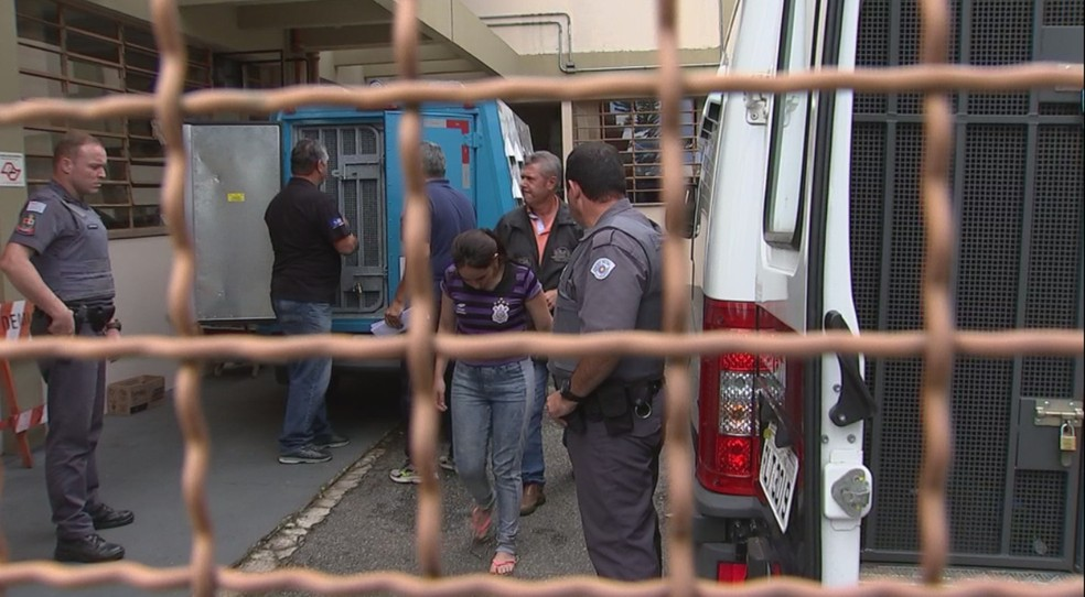 Débora Rolim foi encaminhada para penitenciária de Tremembé (Foto: Reprodução/TV TEM)