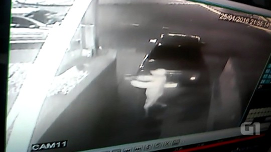 Vídeo mostra suspeitos atirando em policial militar em Londrina; assista