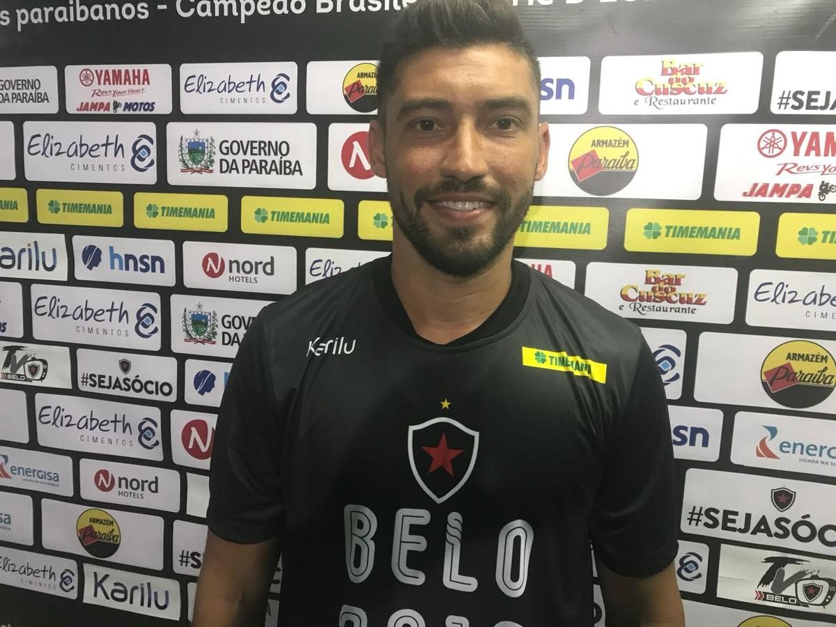 Hiroshi projeta parceria de sucesso com Marcos Aurélio no meio de campo do  Belo  37765719b22b2