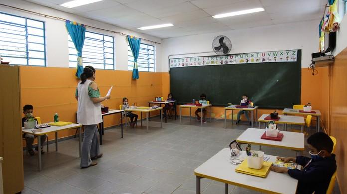 Justiça derruba liminar e libera aulas presenciais em SP ao final da fase  emergencial | São Paulo | G1