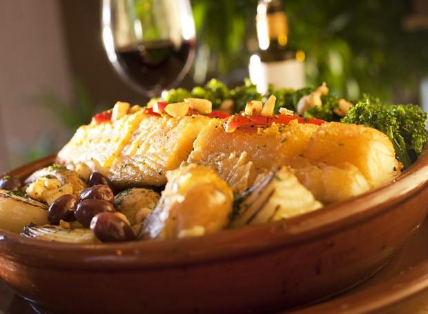 Receita de bacalhau ao murro, do chef Caique Pallas, do restaurante Bacalhau, Vinho & Cia (Foto: Divulgação )