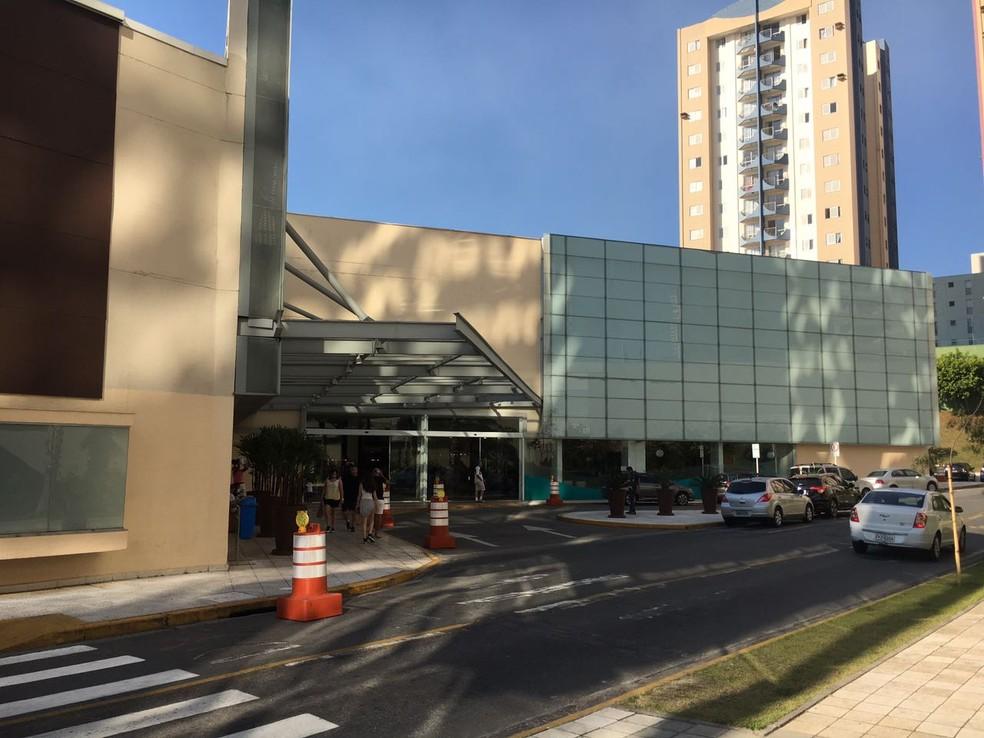 37893a3250d16 ... Shopping de Mogi das Cruzes tem 10 vagas abertas — Foto  Fernanda  Lourenço G1