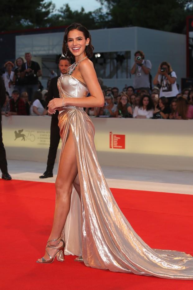 Bruna Marquezine em Veneza (Foto: Getty)