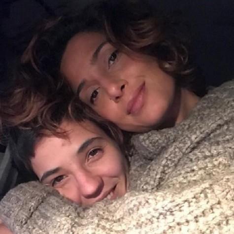 Camila Pitanga e a namorada, Beatriz Coelho (Foto: Reprodução)