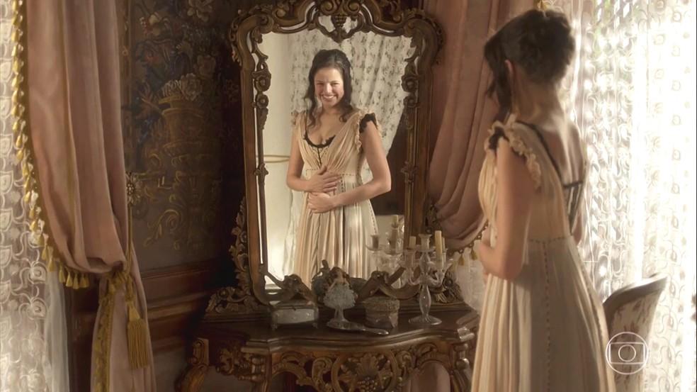 Domitila (Agatha Moreira) acha que está grávida de Dom Pedro (Caio Castro), em 'Novo Mundo' — Foto: TV Globo