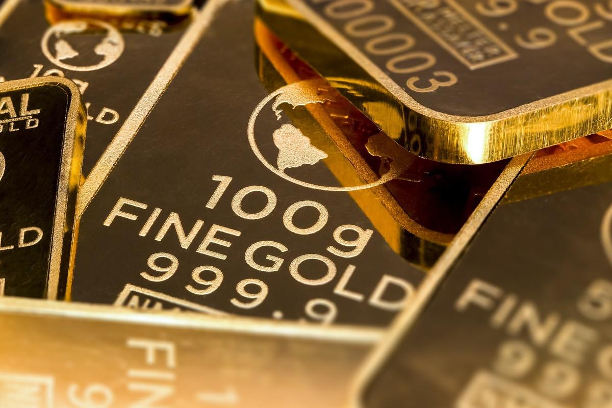 Ouro fecha primeira sessão de agosto em alta