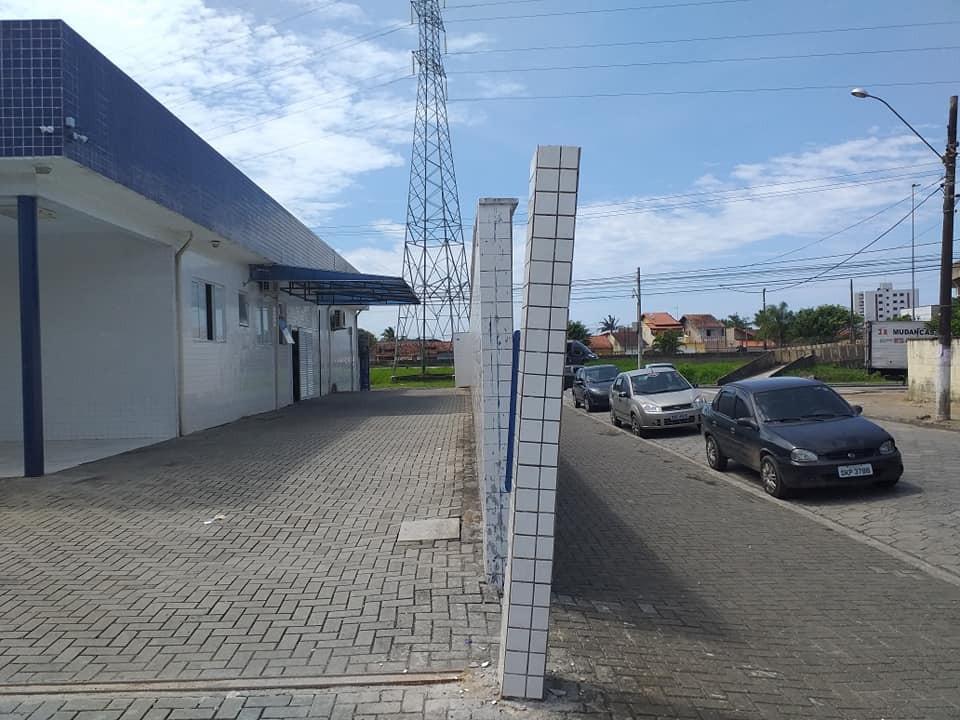 Pilastra torta em unidade de saúde preocupa moradores em SP: 'Está bamba' - Notícias - Plantão Diário