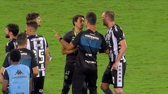 Carli x Jesus, Marí x Valentim: Botafogo x Flamengo tem discussões entre técnicos e jogadores