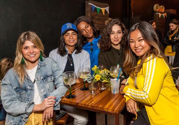 Giovana Romani, Alline Cury, Pathy Dejesus, Isabela Serafim e Camila Sawamura (Foto: David Mazzo)