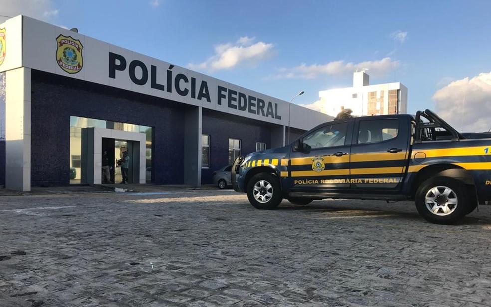 Operação da Polícia Federal desarticulou esquema de desvio de dinheiro da merenda na Prefeitura de Campina Grande — Foto: Jackson Rondineli/TV Paraíba