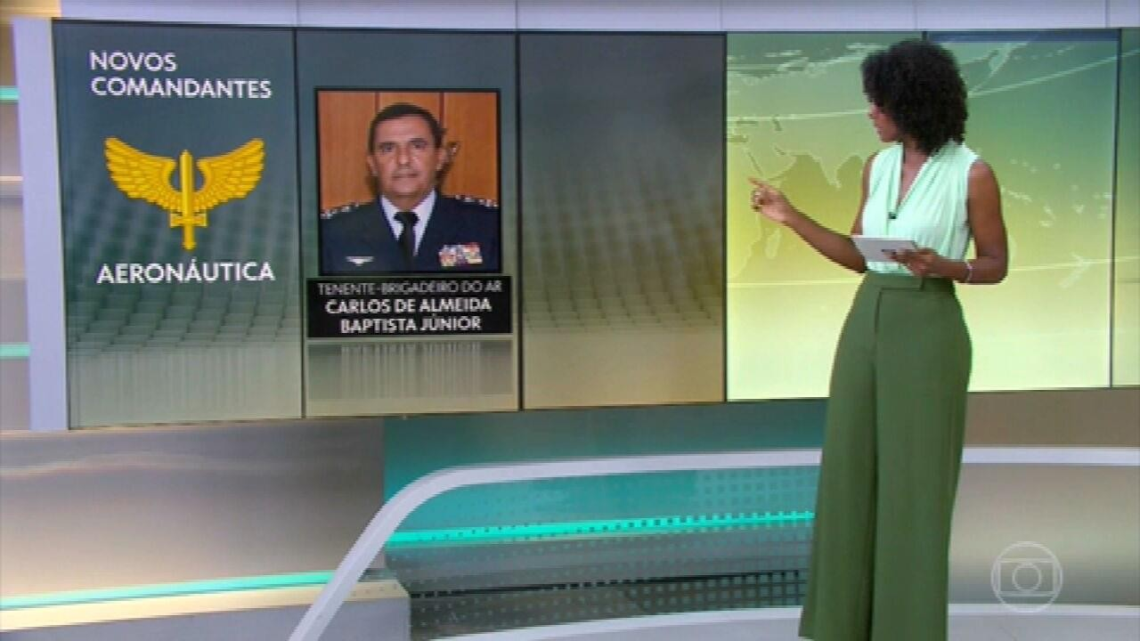 Bolsonaro apresenta novos comandantes das Forças Armadas