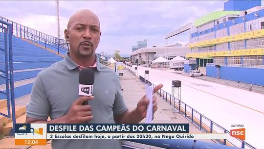 Escolas de samba voltam à avenida para Desfile das Campeãs em Florianópolis