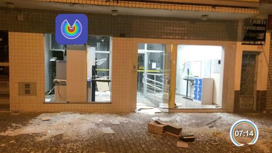 Quadrilha armada faz explosões em dois bancos em Joanópolis, SP