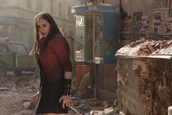 A atriz Elizabeth Olsen em cena do segundo filme da franquia Vingadores da Marvel (Foto: Divulgação)