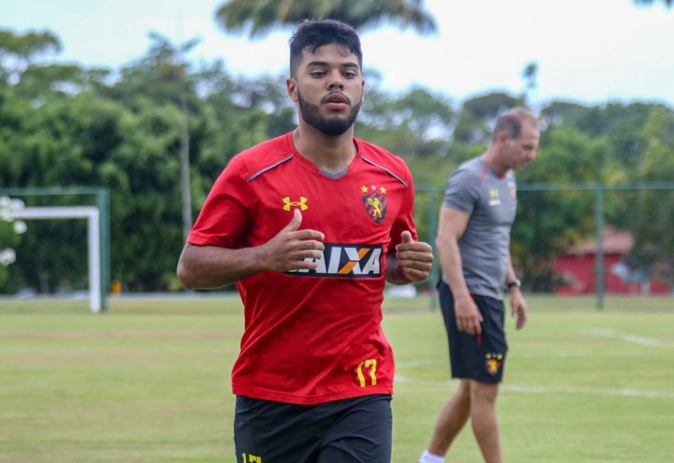 4210b656e8606 ... Leandrinho ficou feliz com o acerto com o Sport — Foto: Williams Aguiar  / Sport