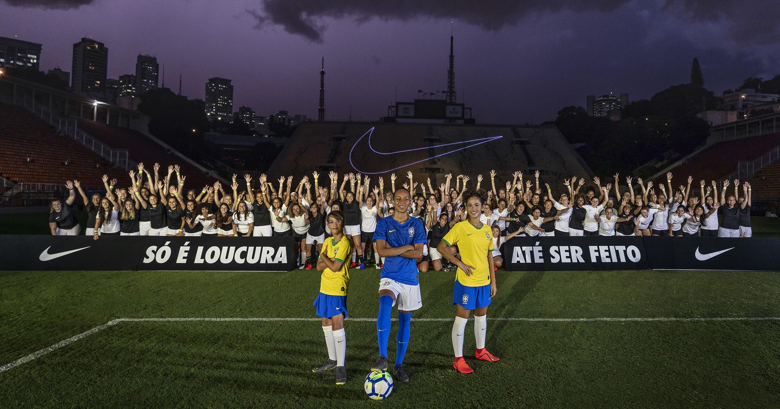 f4430fb30f17d Nike cria projeto para treinar meninas e desenvolver futebol feminino no  Brasil (Foto  Divulgação