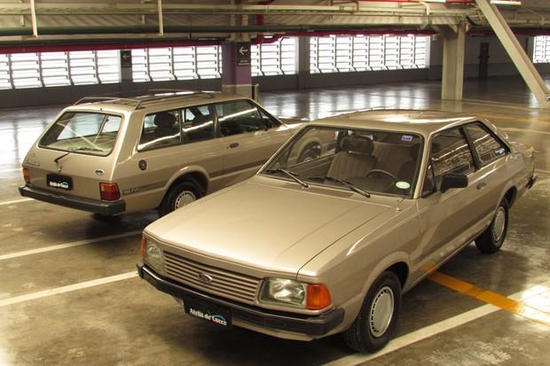 Ford Corcel e Belina são da série Astro e a foto imita a publicidade da época (Foto: Marcelo Reinert/Autoesporte)