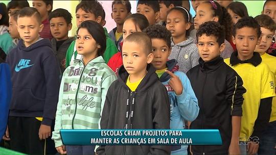 Professores apostam em projetos especiais para evitar evasão de alunos em Curitiba