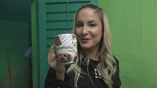 Claudia Leitte apronta com fã e vídeo exclusivo mostra momentos inusitados dos bastidores do 'Caldeirão'
