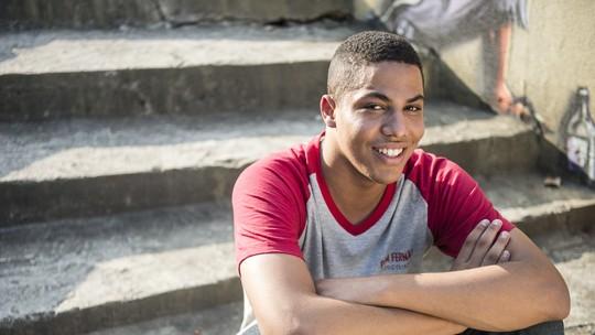 Matheus Dias celebra papel em 'Malhação' e conta o que fez com o primeiro salário