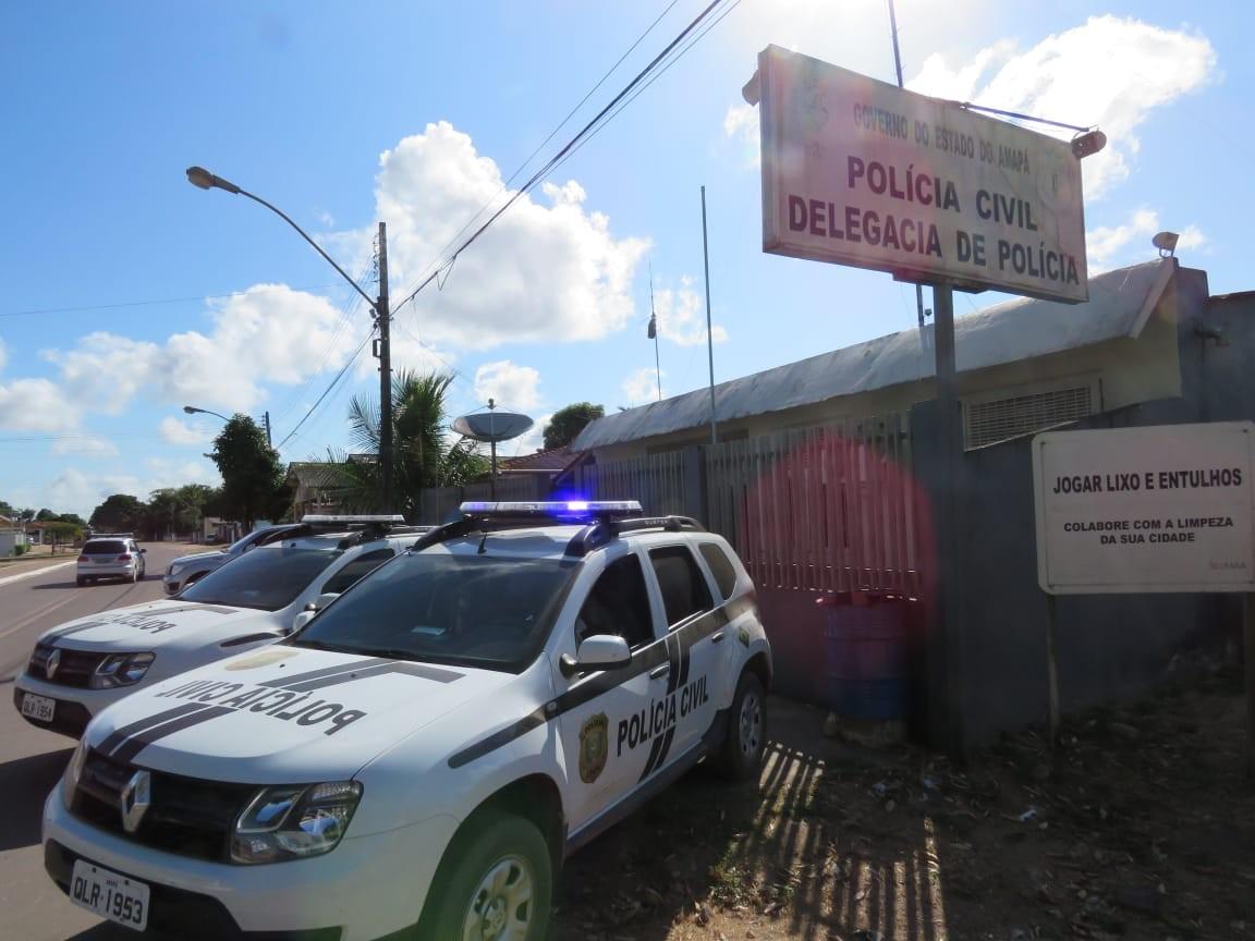 Homem é atacado com golpes de faca e morre a caminho do hospital; suspeito é preso