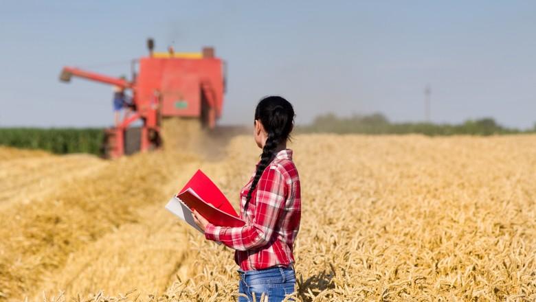 mulher-agronoma-agronomia-profissão-agronegócio (Foto: Thinkstock)