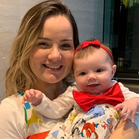 Tatyane Goulart com a filha, Catarina (Foto: Reprodução Instagram)